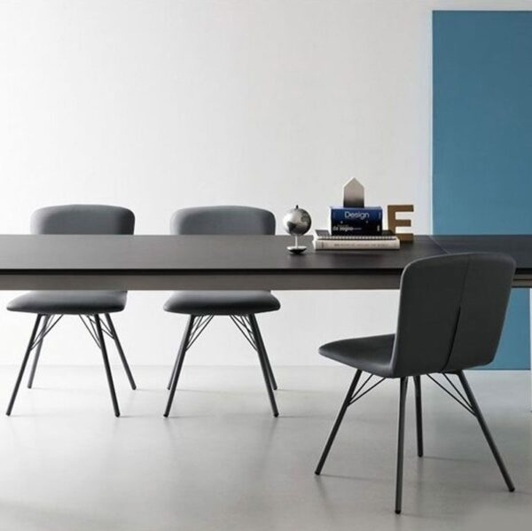 Moderna Stolica Emma modernog dizajna , udobna , sive boje - online shop - Commodo Home & Living