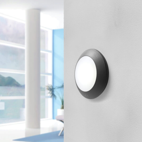 Moderna Spoljna zidna lampa - BERTINA klasičnog dizajna, crne boje - internet prodaja - Commodo Home & Living